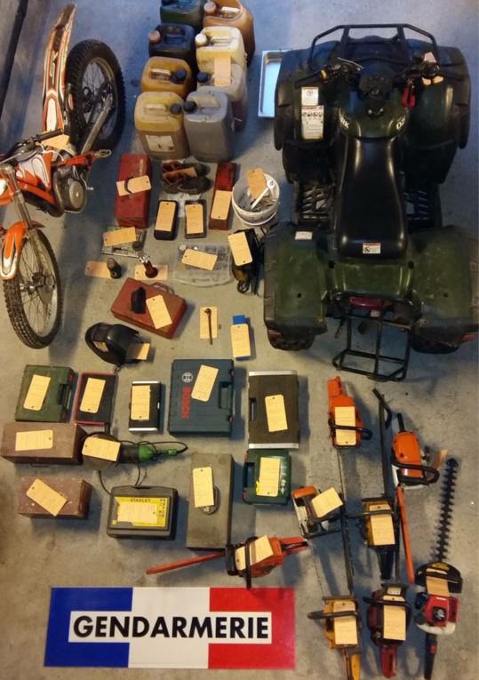 Le matériel dérobé dans les deux fermes à été retrouvé par les gendarmes et placé sous scellé en attendant d'être restitué aux victimes (Photo @Gendarmerie/Facebook)
