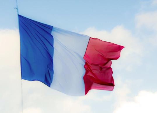 Laurent Beauvais et Nicolas Mayer-Rossignol relaient l'invitation de François Hollande et demandent aux Normandes d'orner leurs habitations du drapeau tricolore