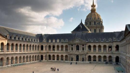 Attentats : les Normands invités à orner leurs fenêtres du drapeau tricolore vendredi