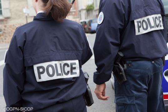 Trois adolescents de 15 et 16 ans arrêtés pour avoir dégradé un panneau publicitaire à Juziers