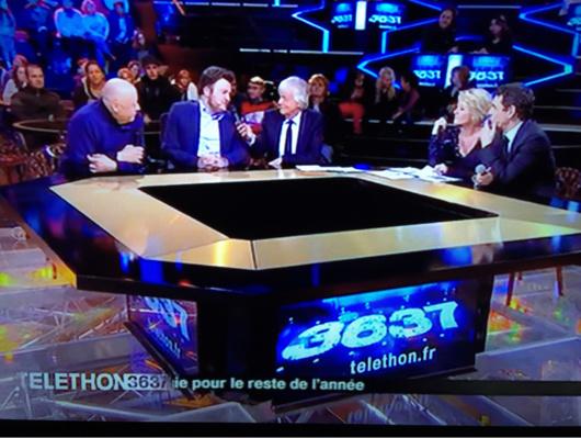 Cette année encore France Télévisions apporte son soutien à la réussite de cette 29e édition du Téléthon en diffusant des témoignages toute la soirée (Capture d'écran France3)