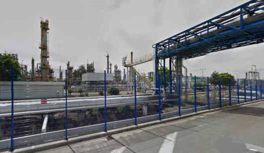 La raffinerie ExxonMobil est implantée sur la zone de Port Jérôme, près du Havre (@Google Maps)