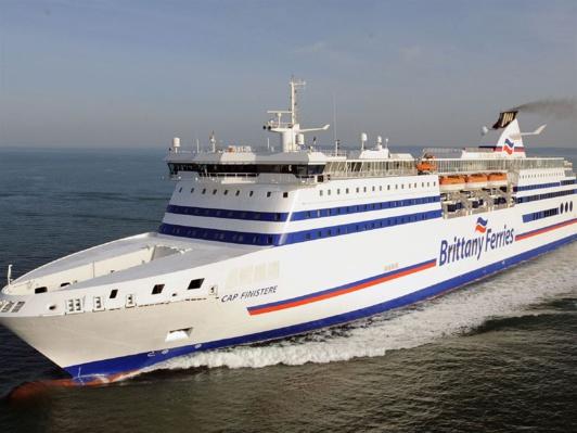 """Le """"Cap Finistère""""  assure la ligne Portsmouth - Santander ainsi que la nouvelle ligne Portsmouth-Bilbao (avec escale à Roscoff  (Photo@Brittany Ferries)"""