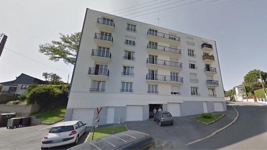 Le feu s'est déclaré dans un appartement du deuxième étage situé au dessus du hall d'entrée et s'est propagé aux logements des étages supérieurs de cet immeuble (Illustration)