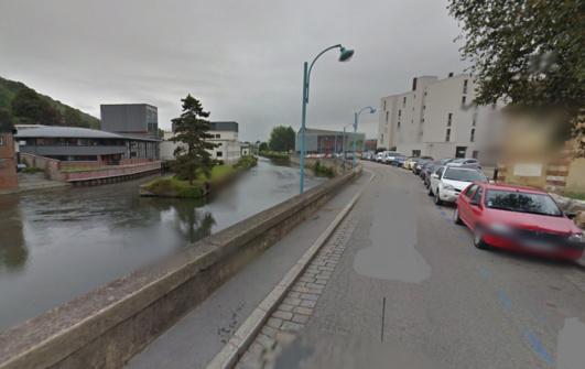 C'est dans près du bras de la Risle, à proximité de la salle des Carmes, quai de la Tour Grise, que le cadavre a été découvert (Illustration@Google Maps)