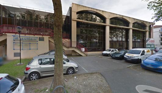 L'immeuble Santorin situé au 31, avenue de la Libération sur la rive gauche de Rouen a longtemps hébergé les activités de la société Educatel avant de devenir ces derniers mois un refuge pour des personnes en difficulté