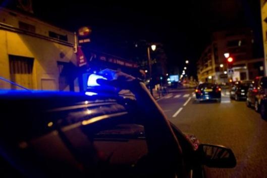 Le véhicule de police équipé d'un lecteur de plaques d'immatriculation a repéré le véhicule volé (Illustration)