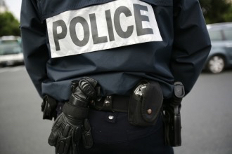 Trappes : le septuagénaire menace les policiers avec une arme factice et s'enferme chez lui
