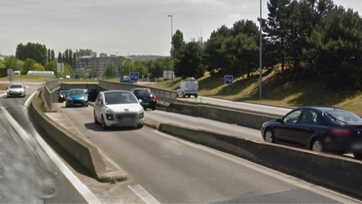 L'automobiliste s'appretait à faire une marche arrière dans le tunnel de la trémie de la Motte