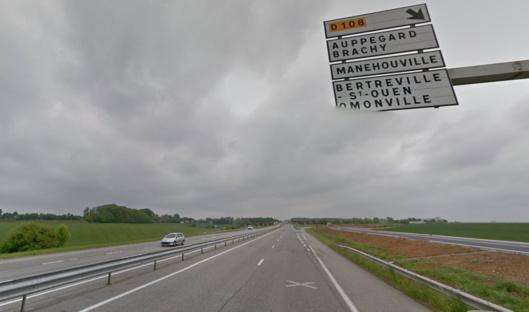 L'accident est survenu sur la voie rapide à hauteur de Manéhouville, en direction de Rouen