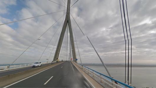 Vent violent : le pont de Normandie interdits aux piétons, deux-roues et camions à vide