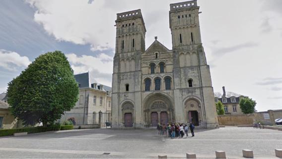 l'Abbaye-aux-Dames, place Reine Mathilde à Caen.