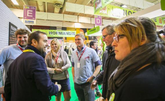 Sébastien Lecornu, président du Département de l'Eure a fait la tournée des exposants eurois lors de la première journée du salon