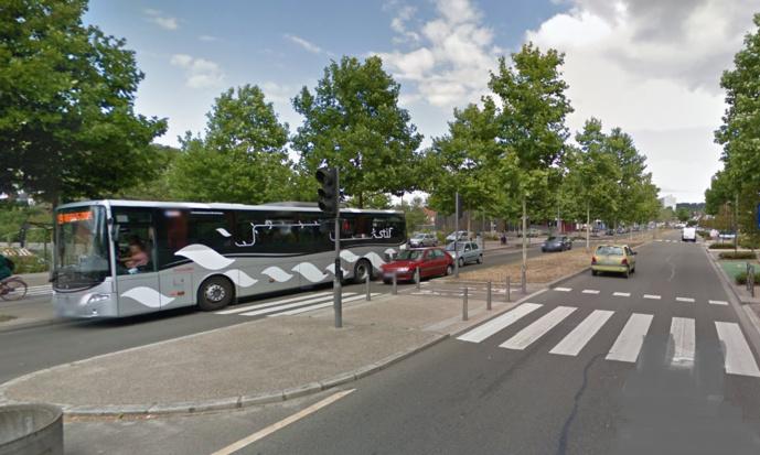 L'accident s'est produit sur le CD43 (avenue Paul Raoult) aux Mureaux