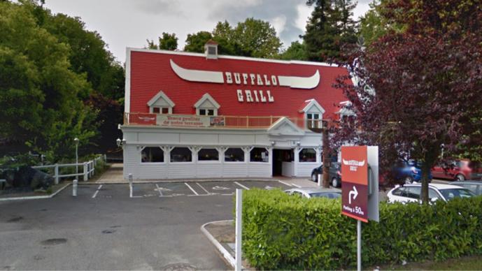 Mantes-la-Jolie : quatre cambrioleurs s'attaquaient au Buffalo Grill avec une masse