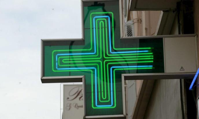 Les Clayes-sous-Bois : le pharmacien s'oppose au client qui voulait se servir dans la caisse