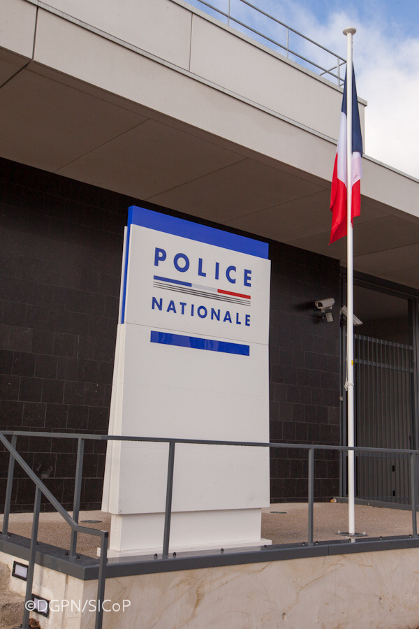 Conflans-Sainte-Honorine : poignardé devant chez lui par un voleur de téléphone portable