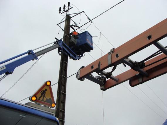 Près de 60 000 clients d'ERDF ont été prkvés d'électricité au plus fort de la tempete, cette nuit dans l'Ouest et le Nord (photo@ERDF/Twitter)