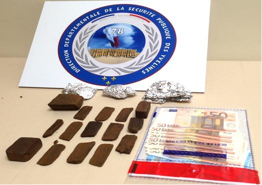 Lors des perquisitions, les enquêteurs ont saisi 174 grammes de résine de cannabis, 50 grammes d'herbe de cannabis conditionnés pour la revente au détail et 770 euros (Photo@DDSP78)