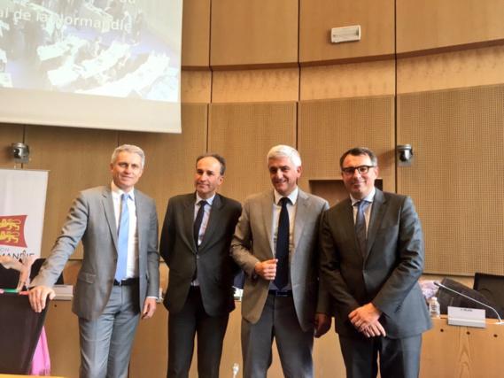 Frédéric Sanchez, en sa qualité de Conseiller régional, Joël Bruneau, Président de la communauté d'agglomération Caen la Mer, et Luc Lemonnier, 1er adjoint au maire du Havre, ici aux côtés d'Hervé Morin, étaient présents dans l'hémicycle
