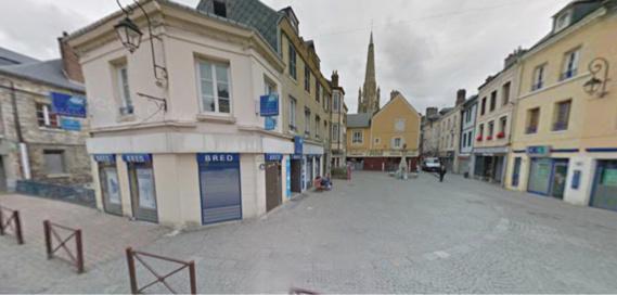 Les deux suspects ont été repérés en pleine nuit devant l'agence de la Bred, place Victor Hugo (Illustration)