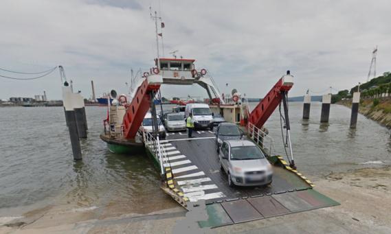 Le passage d'eau reliant Quillebeuf-Sur-Seine à Lillebonne (Port-Jérôme) permet annuellement à plus de 500 000 véhicules de traverser la Seine
