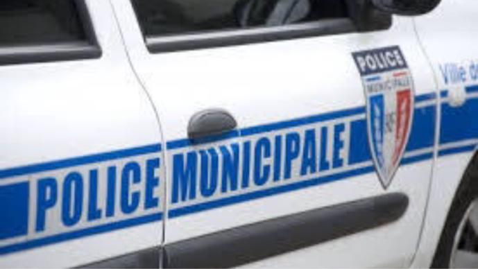 La police municipale caillassée à Plaisir