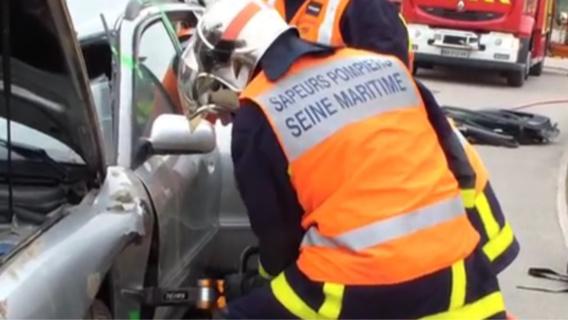 Trois véhicules impliqués dans un accident sur l'A28 en Seine-Maritime : deux blessés