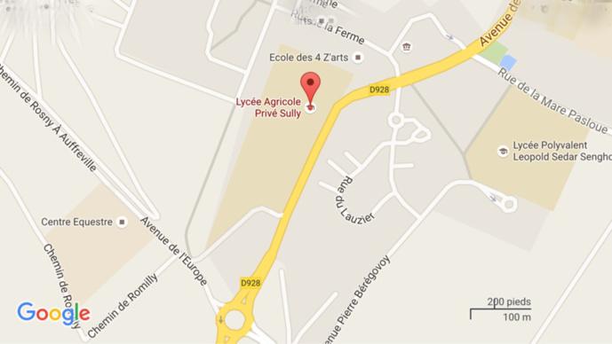 A Magnanville, l'automobiliste grille un feu rouge, sa voiture finit sur le toit : un blessé grave