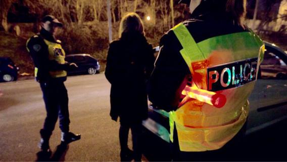 Deux nuits de violences au Val Fourré a Mantes-la-Jolie : jets de projectiles et poubelles brûlées