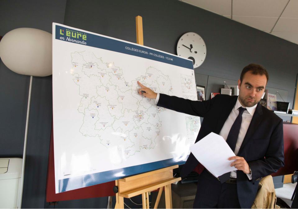 Début juin 2016, Sébastien Lecornu, président du Département, a présenté un plan d'urgence de 172,5 M€ destiné à moderniser et sécuriser les collèges de l'Eure (Photo@Département de l'Eure)