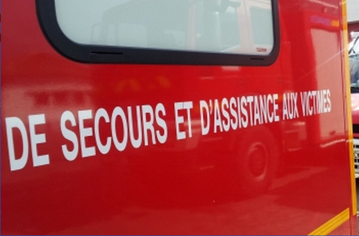 16 sapeurs pompiers et cinq véhicules de secours ont été mobilisés sur les lieux de l'accident (Illustration)