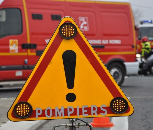 Sept sapeurs-pompiers et cinq engins de secours, dont un véhicule de désincarération, sont intervenus (Illustration)