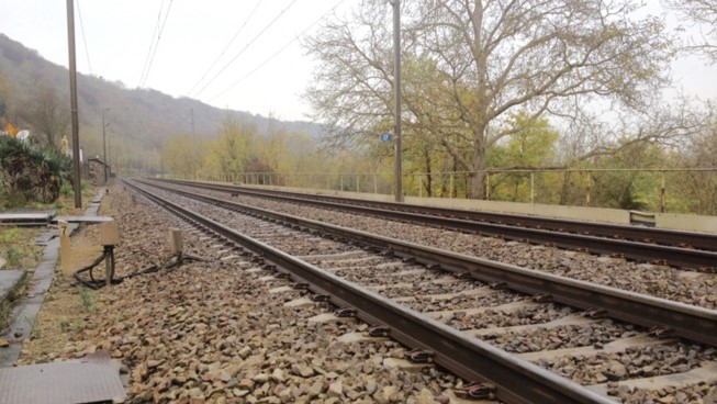 Feu en bordure des voies : trafic des trains interrompu entre Mantes et Conflans (Yvelines)