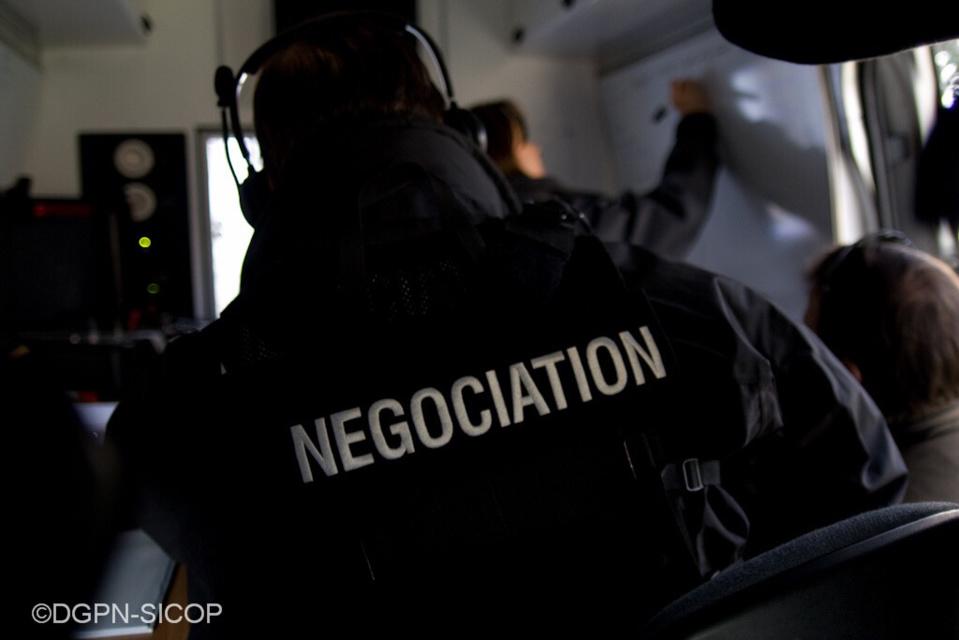L'homme retranché voulait qu'un négociateur du RAID vienne le voir chez lui à Élancourt (illustration@DGPN)