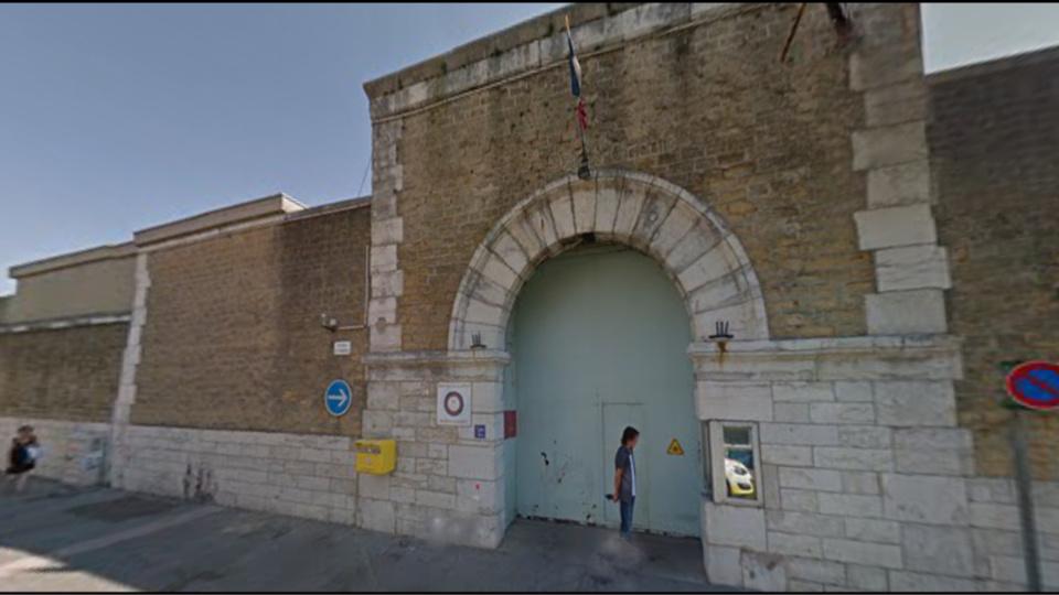 Le centre pénitentiaire de Valence a une capacité de 450 détenus