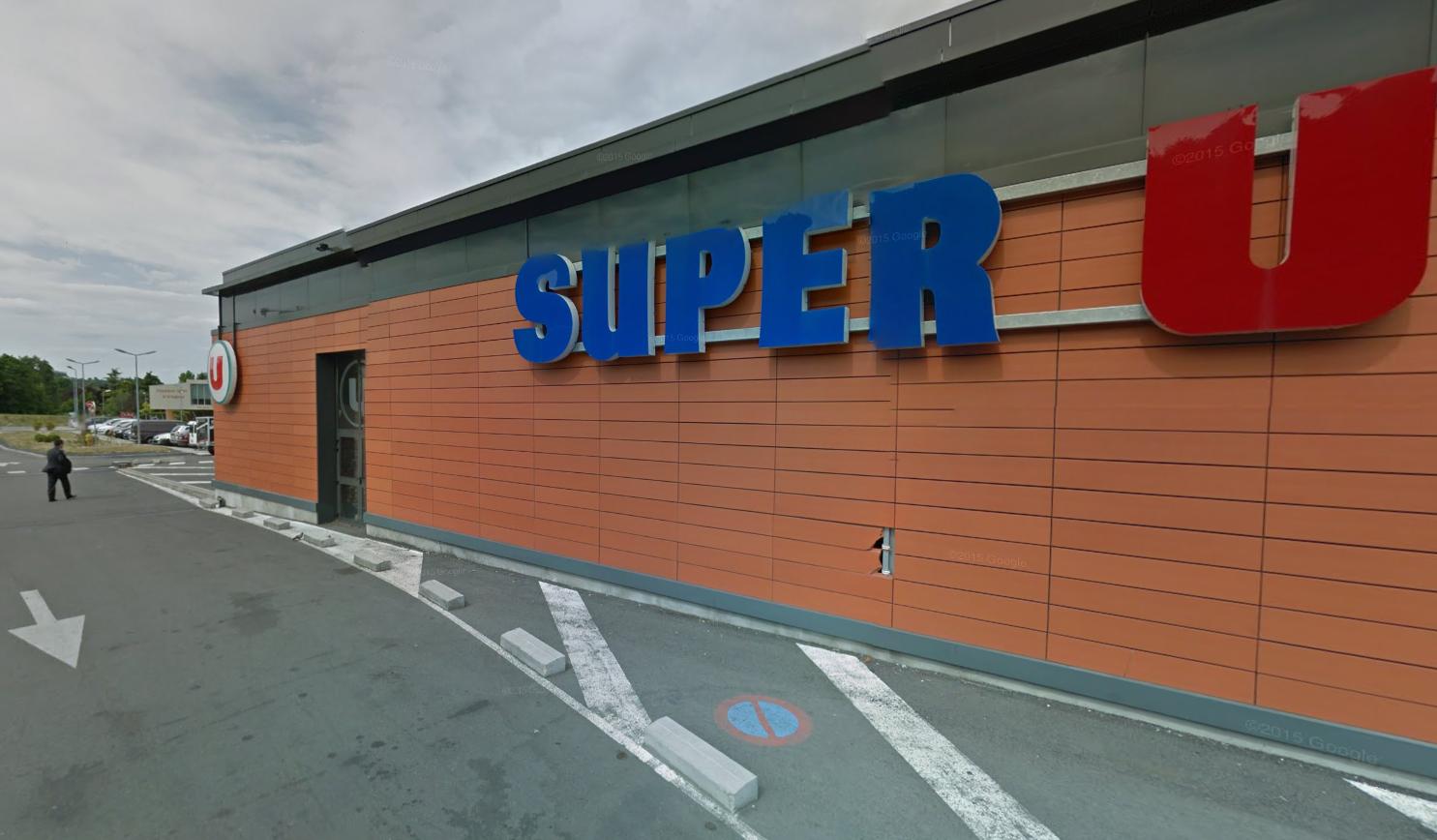 Le tireur s'en est pris sans raison à une caissière du magasin Super U et à un homme de 70 ans (Illustration)