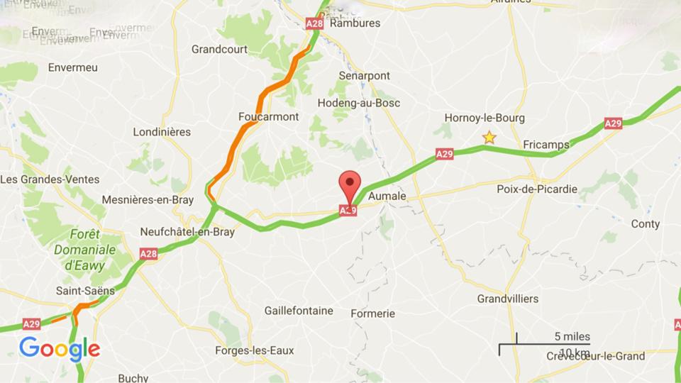 Sur l'A 29, en Seine-Maritime, l'essieu d'un camion-citerne chargé de 22 000 litres d'hydrocarbure prend feu