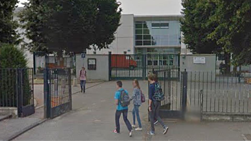 L'élève aurait été pris à partie et blessé à sa sortie du lycée (illustration@Google Maps)