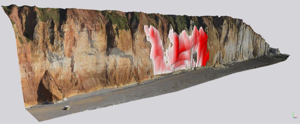 La masse de roche qui s'est détachée, en rouge sur cette illustration (copyright BRGM), représente ainsi un volume de 28 000 m3, soit près de 50 000 tonnes de craie, ce qui est équivalent au poids de l'Arc de Triomphe