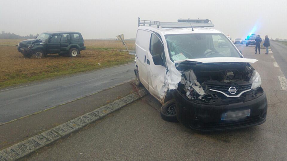 Les deux véhicules ont été sérieusement endommagés sous la violence du choc (Photo@DR)