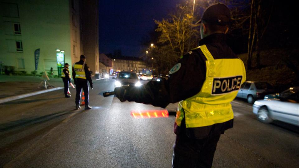 Le très jeune conducteur a refusé de s'arrêter lorsque la police a voulu le contrôler (illustration@DGPN)