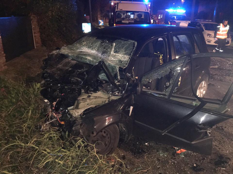 Le Scénic a percuté de plein fouet dans une courbe le camion qui arrivait en face. Son conducteur a été tué