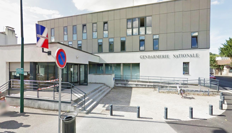 La femme menaçait de se donner la mort devant la brigade de gendarmerie de Pont-Audmer (Illustration@Google Maps)