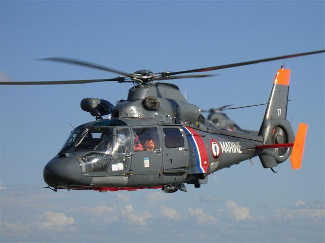 Le blessé a été hélitreuillé à bord de l'hélicoptère Dauphin (Photo d'illustration@Marine nationale)