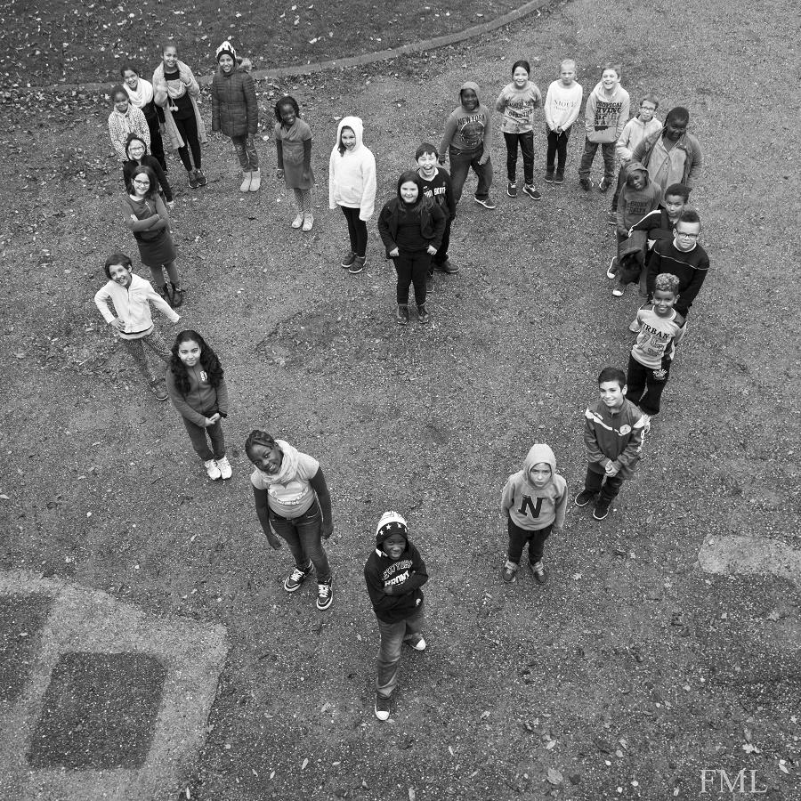 Les enfants du centre de loisirs de la Ferme du Mont Leconte avaient réalisé cette photo pour l'exposition des droits de l'enfant l'an dernier présentée à l'hôtel de ville (©Giovanni Groutsche - Ville du Havre)