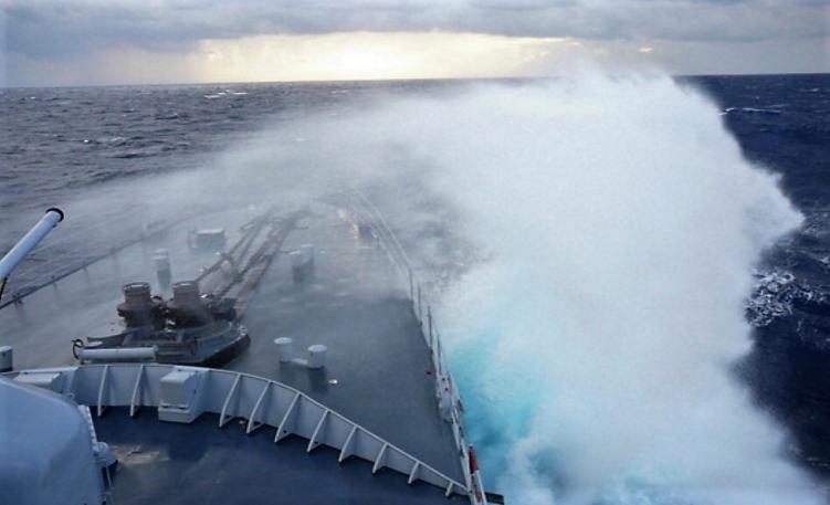 Les vagues pourront atteindre 5 à 6 mètres au large et 3 à 4 mètres en zone côtière (Illustration@DR)
