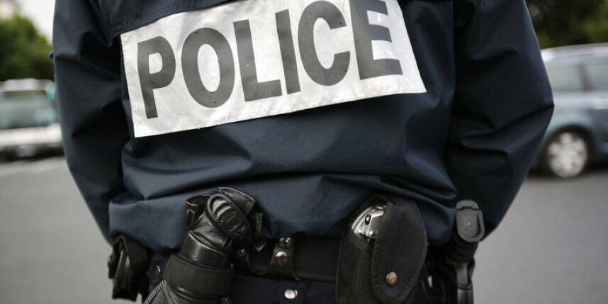 Le policier a été contraint de faire usage de son arme contre l'animal pour protéger ses collègues (Illustration)