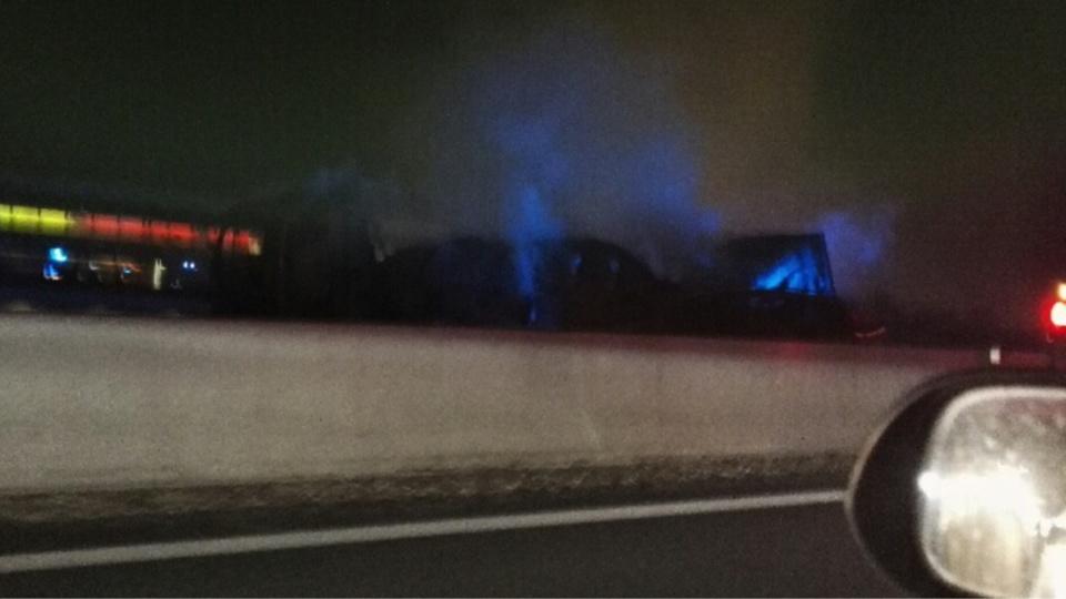 Un camion est en feu après l'aire de Morainvilliers en direction de Paris