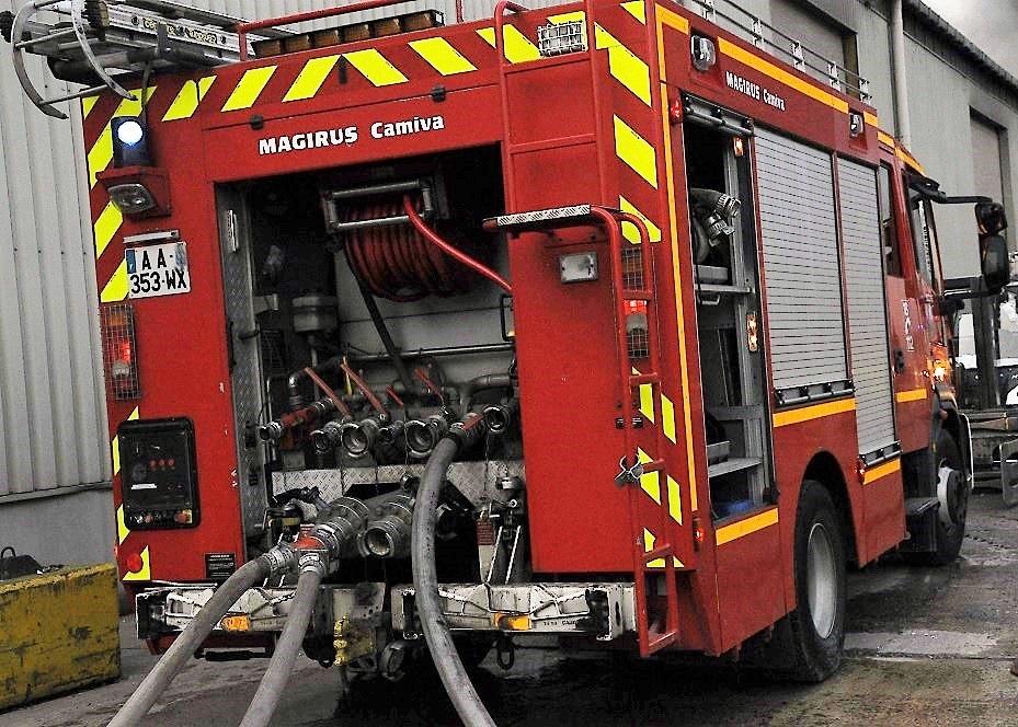 Les engins déployés par les sapeurs-pompiers (une trentaine d'hommes sur place) ont permis de limiter les dégâts (Illustration)